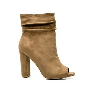 NIB Suede Like Slouch Summer Boho Booties